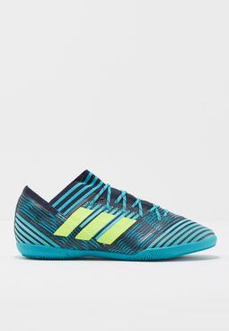 حذاء نيميزيز 17.3