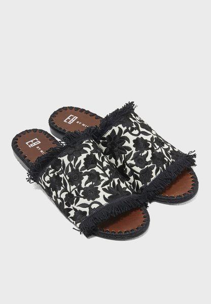 Tavie Flat Sandal