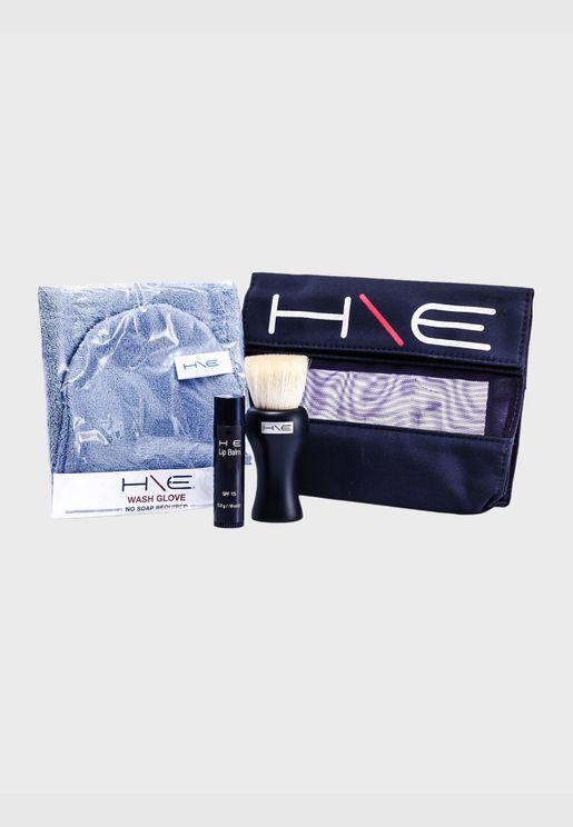 H\E Minerals مجموعة: بلسم شفاه (SPF15) + فرشاة للوجه + قفاز للغسل + حقيبة صغيرة