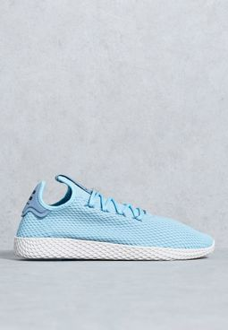 حذاء تنس من مجموعة فاريل وليامز