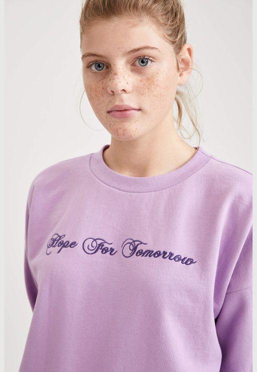 Woman Regular Fit Crew Neck Sweat Shirt