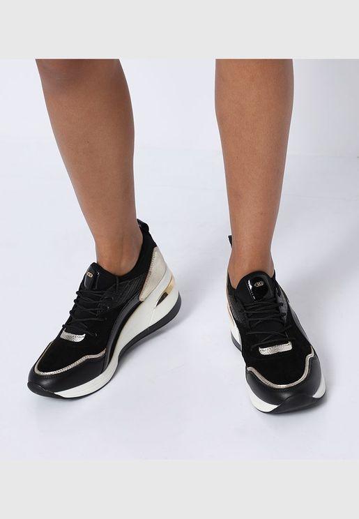حذاء إليا رياضي بنعل سميك