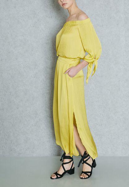 Side Slit Pleated Skirt