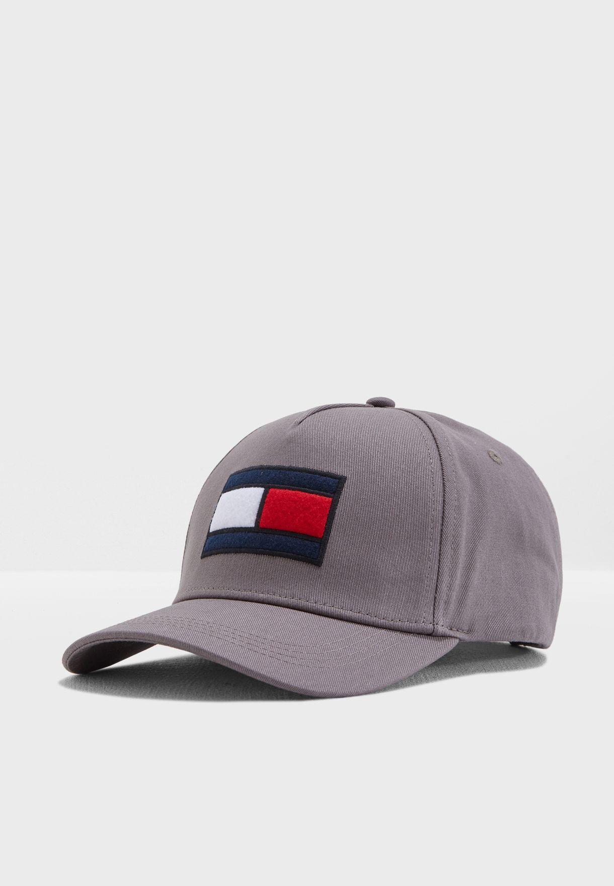 bf158fc543781 Shop Tommy Hilfiger grey Flag Logo Cap AM0AM03995 for Men in UAE ...