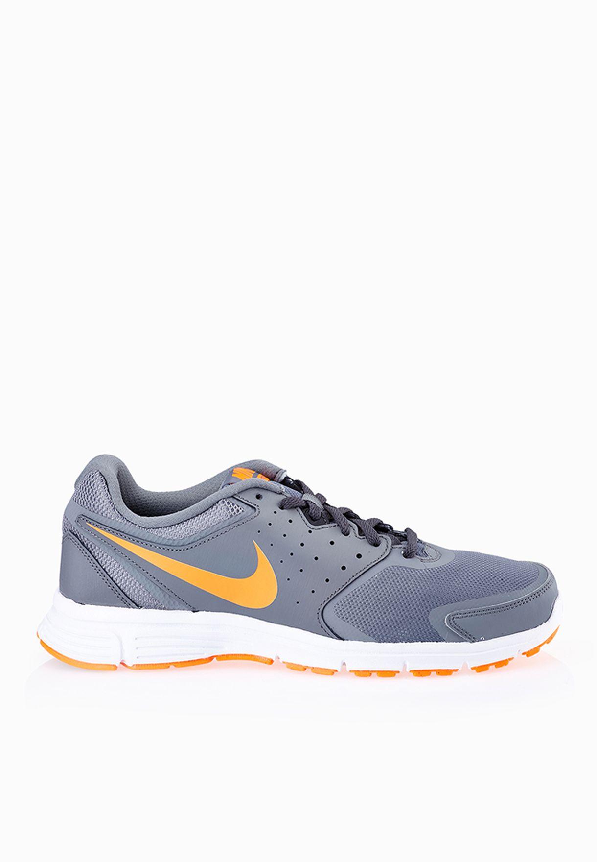 Shop Nike grey Revolution Eu 706583-005 for Men in UAE - NI727SH48VHR 7b85f609e113