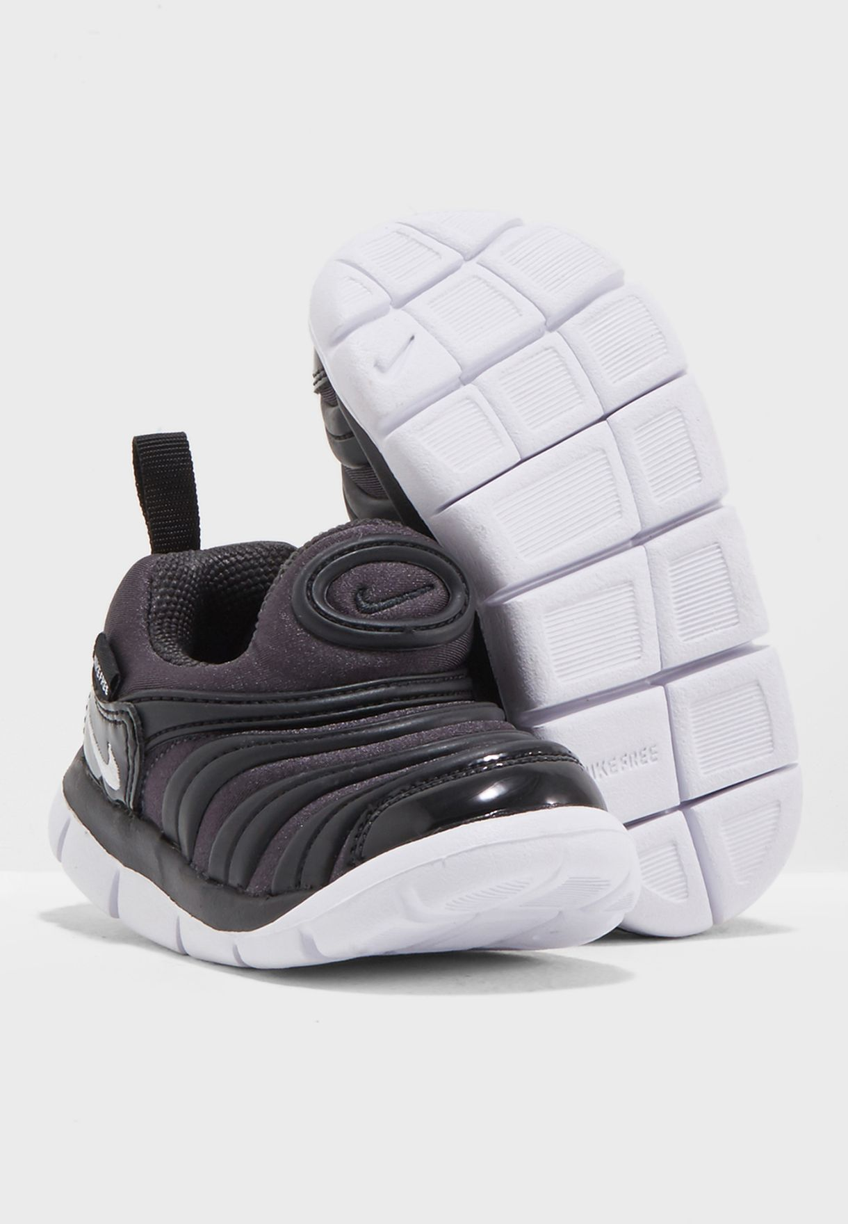 e07a3af429f88 Shop Nike black Infant Dynamo Free 343938-013 for Kids in UAE ...