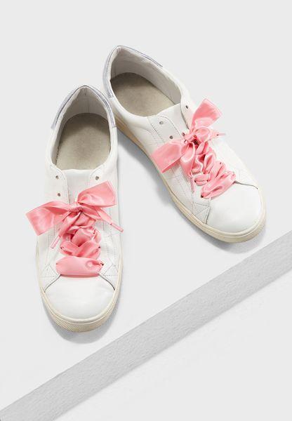 اربطة حذاء ساتان