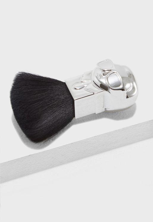 Karl Buki Brush