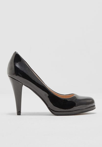 Glossy Court Shoes