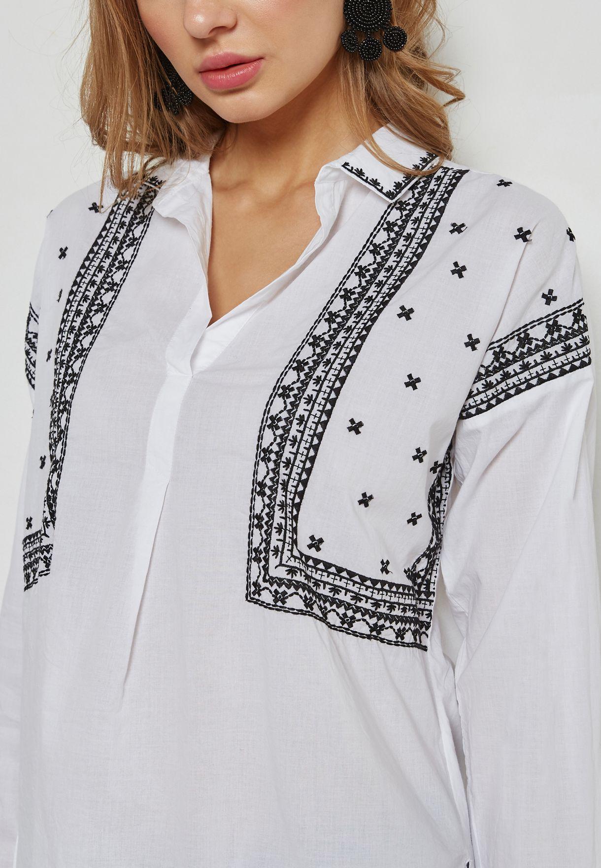 قميص مطرز