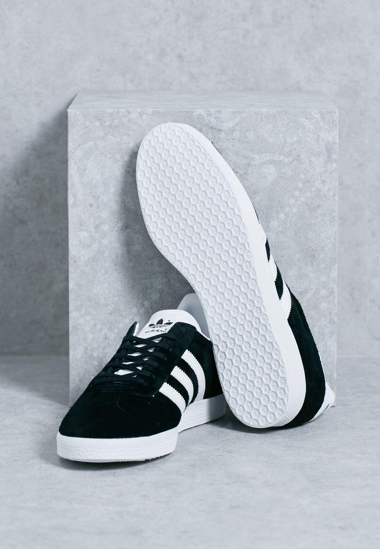 حذاء جازيل