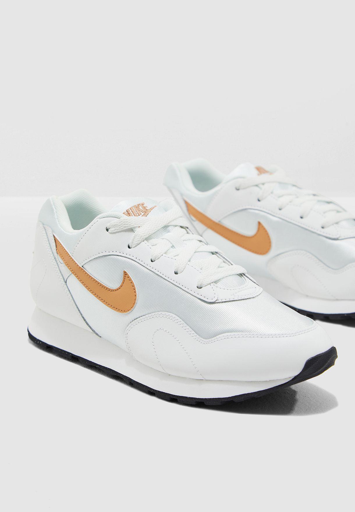 07678d6550b Shop Nike white Outburst AO1069-110 for Women in UAE - NI727SH28HJF