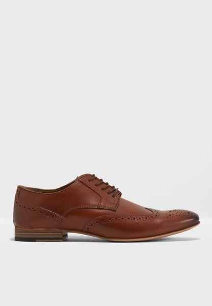 حذاء بروغ رسمي بأربطة