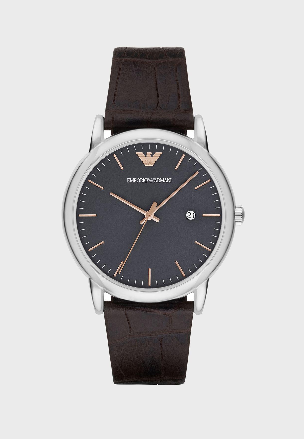 ساعة انيقة تحمل شعار الماركة