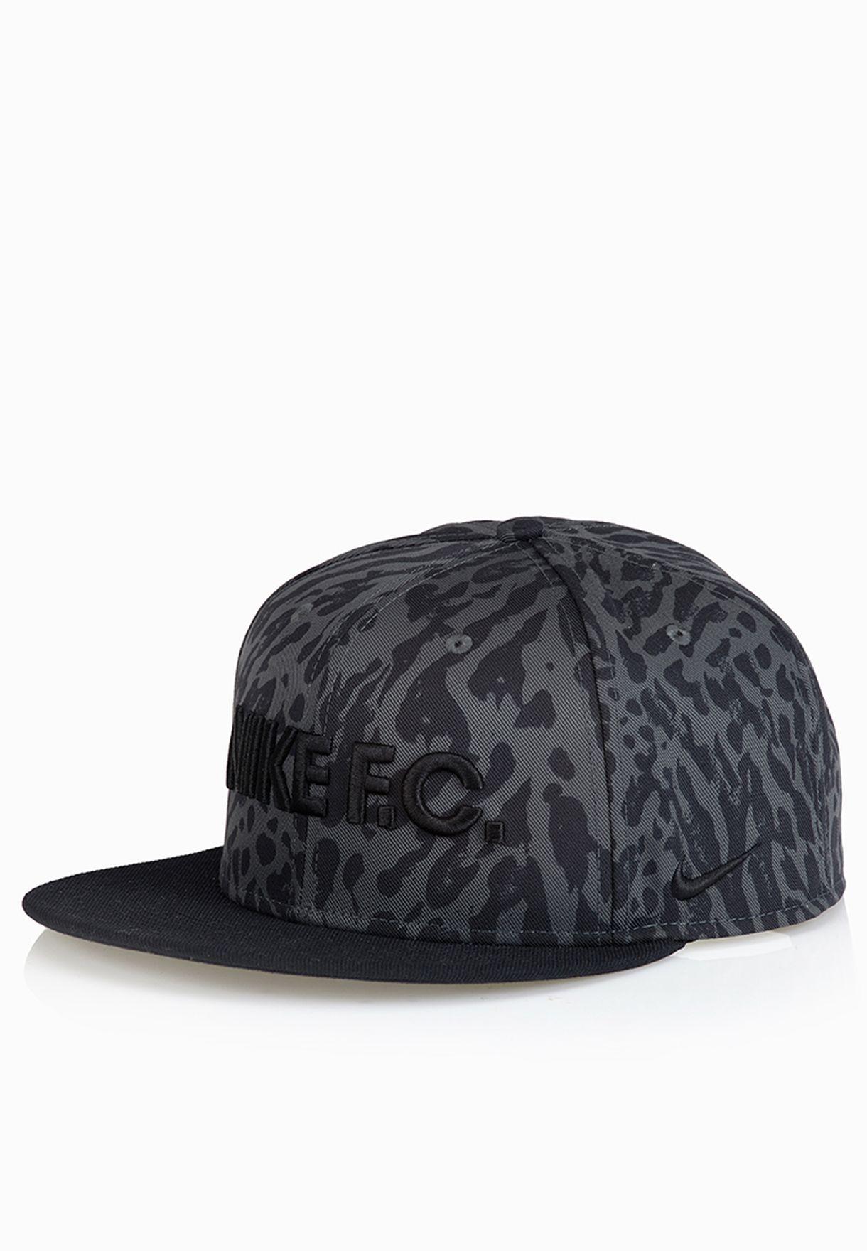 1b62ef5aeb0 Shop Nike black F.C. True Snapback Cap 669789-060 for Men in Saudi -  NI727AC18OKB