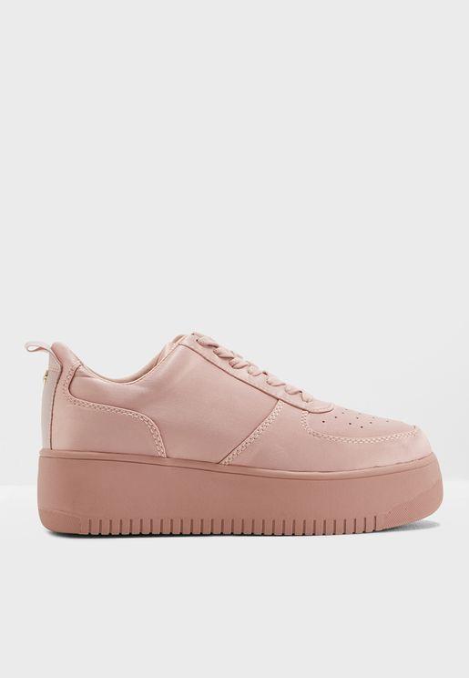 Laura Sneaker