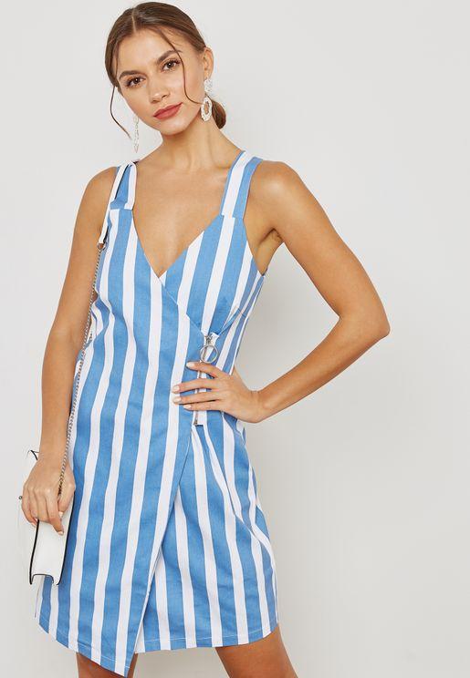 فستان بنمط لف مخطط