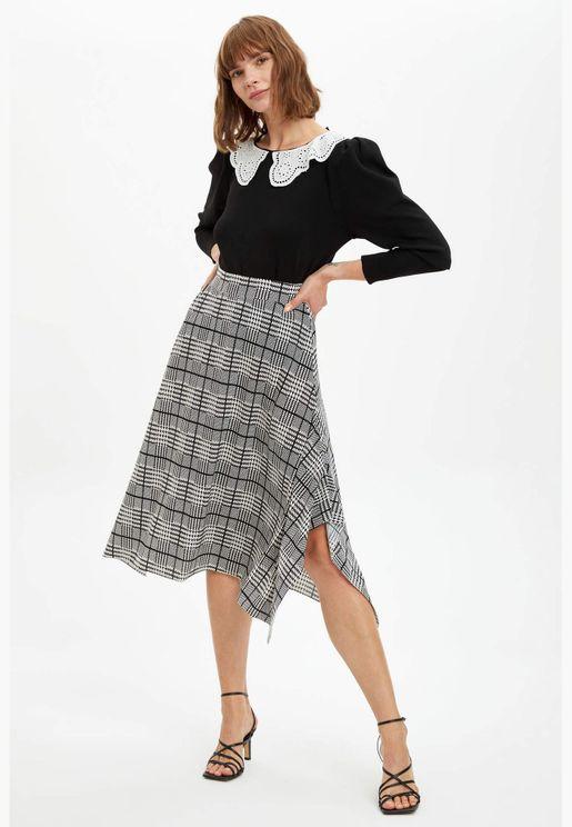 Woman Knitted Skirt