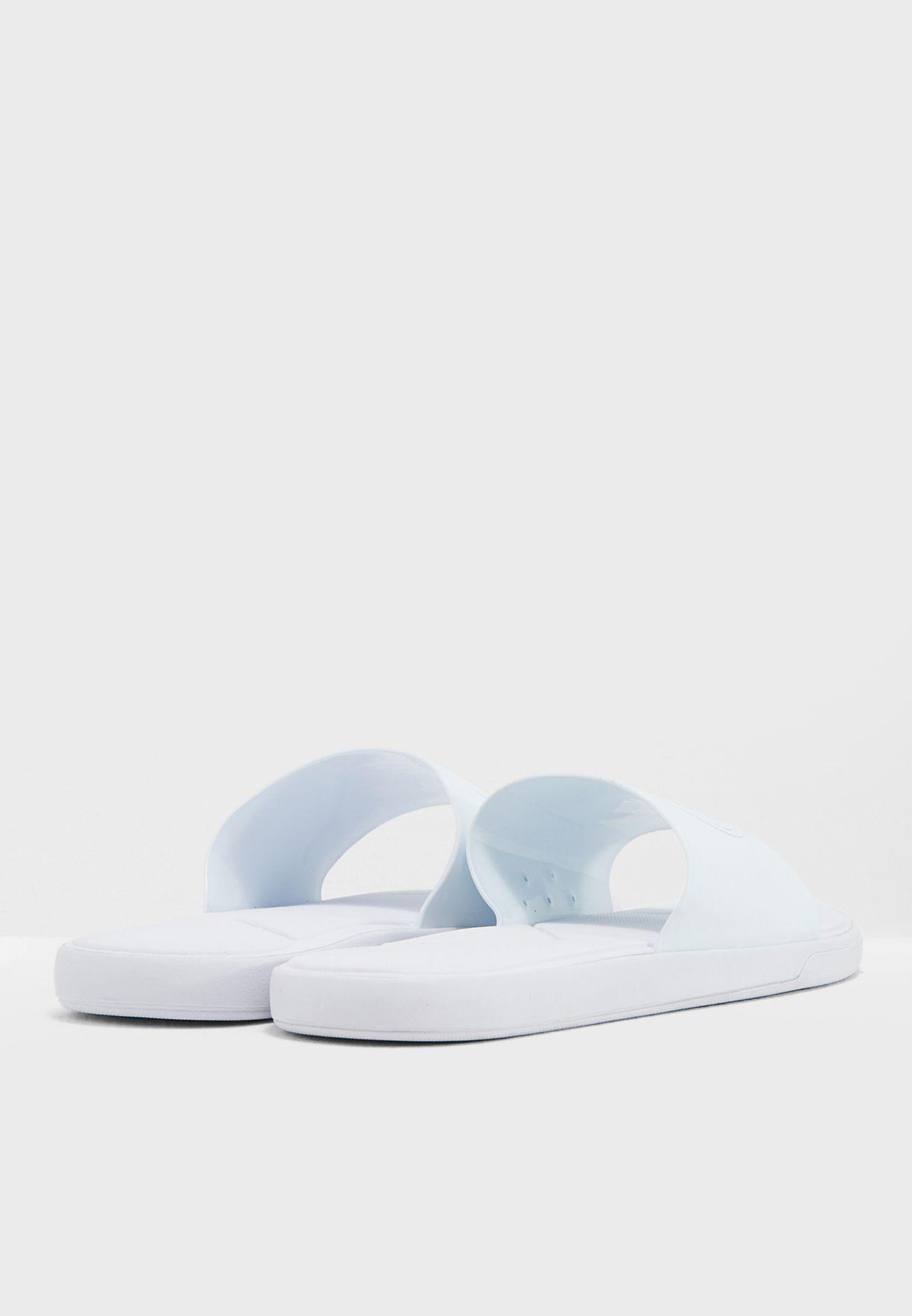L.30 318 1 Caw Sandal