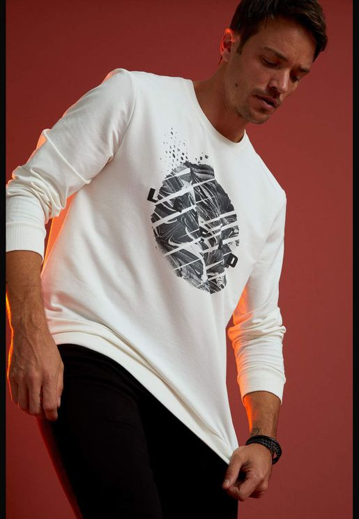 Man Regular Fit Crew Neck Sweat Shirt