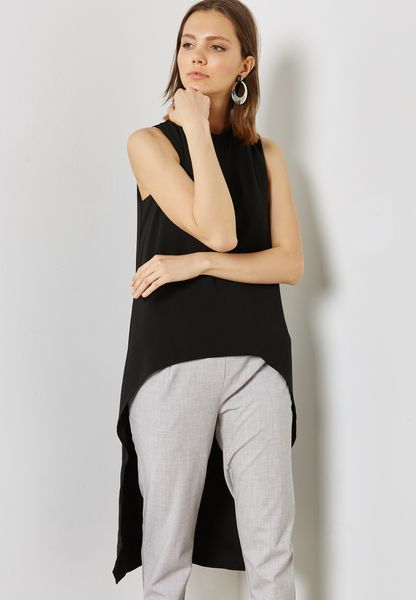 EXAGGERATED HIGH LOW SLEEVELESS TOP