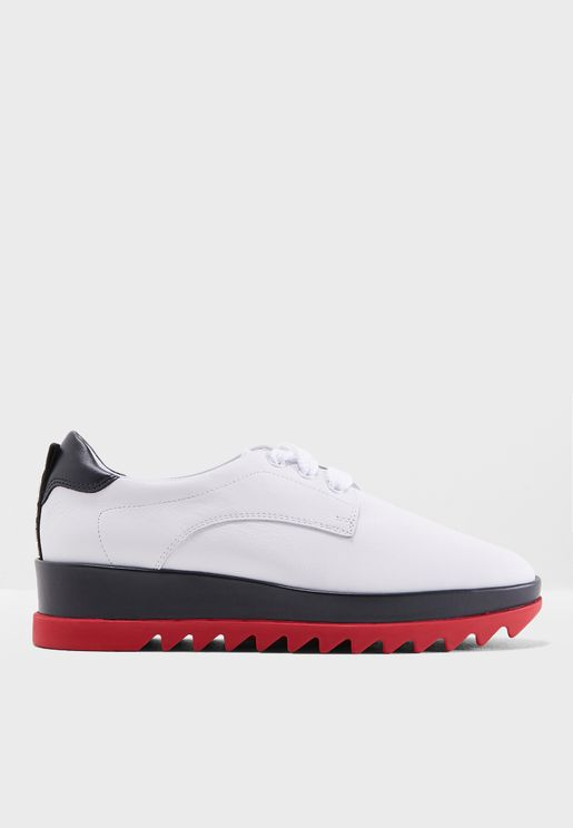 Corporate Flatform Shoe