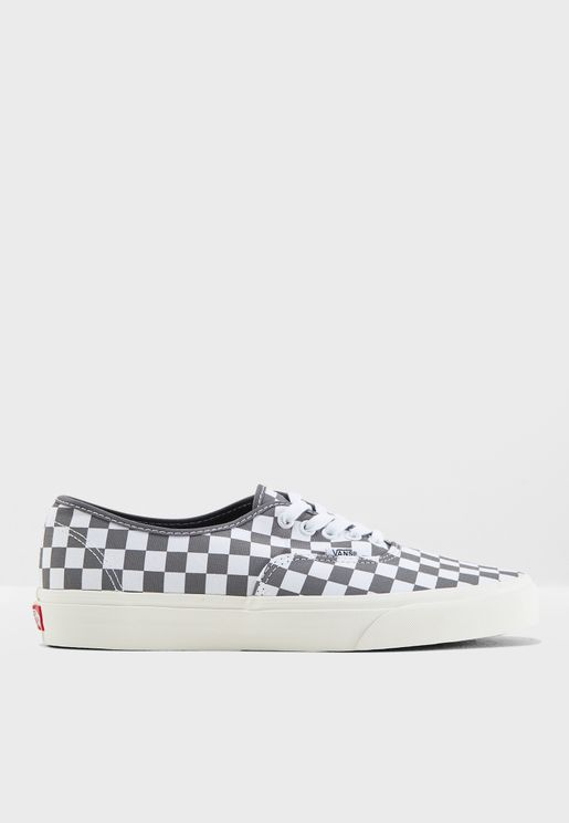 3ae9e151d19c7 Vans Online Store   Vans Shoes, Sneakers, Clothing, Bags Online in ...