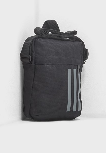 Medium 3 Stripe Messenger