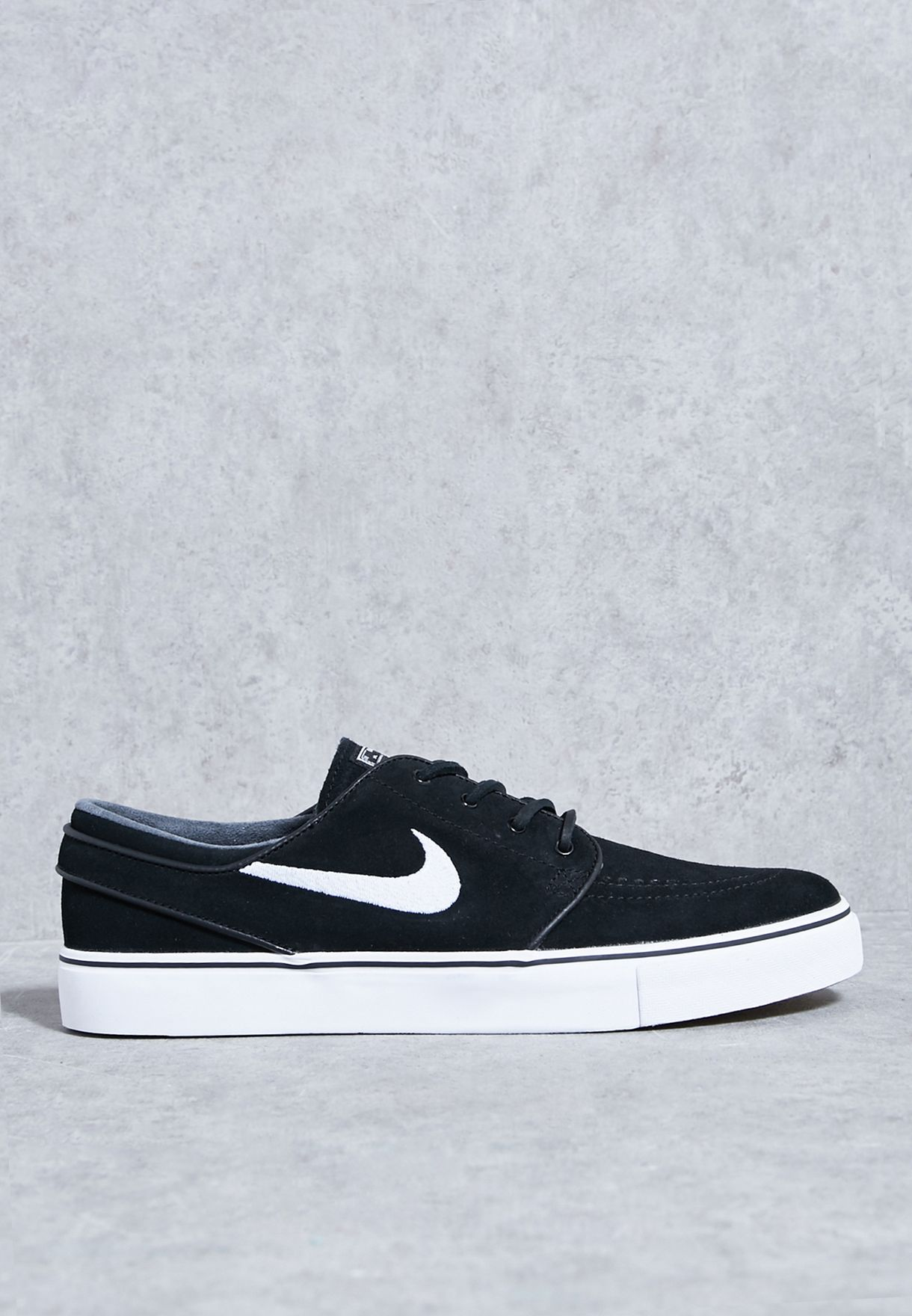 d1439fe8499a Shop Nike black Zoom Stefan Janoski OG 833603-012 for Men in UAE ...