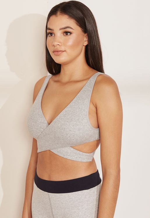 Cut Out Detail Sports Bra