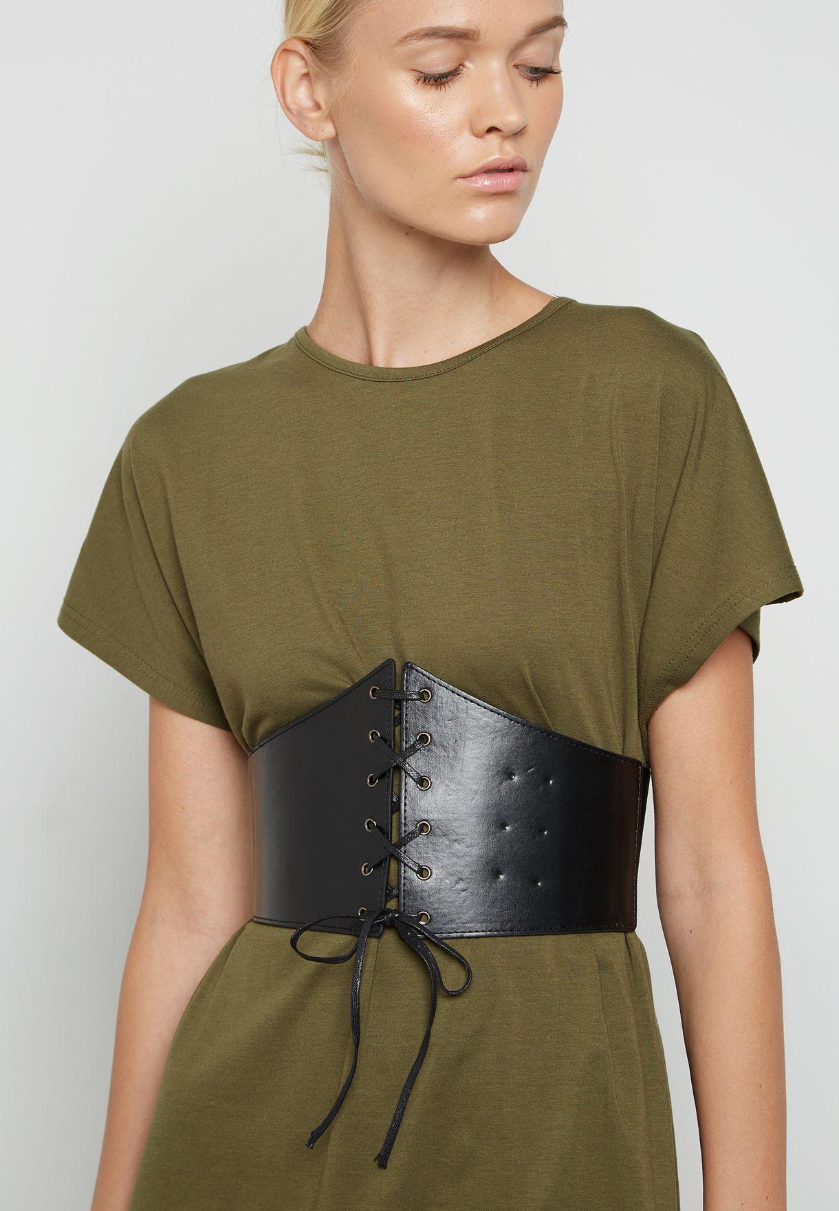 فستان بنمط تيشيرت بحزام عريض
