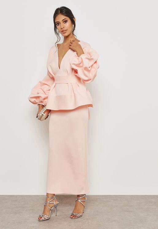 فستان بأكمام مزمومة