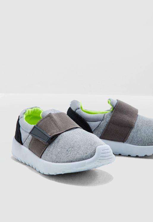 Kids Textured Sneaker