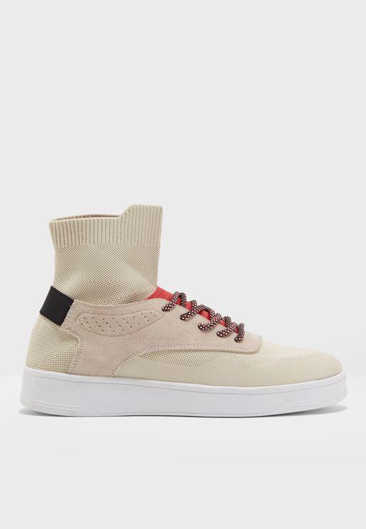 حذاء بنمط الجورب