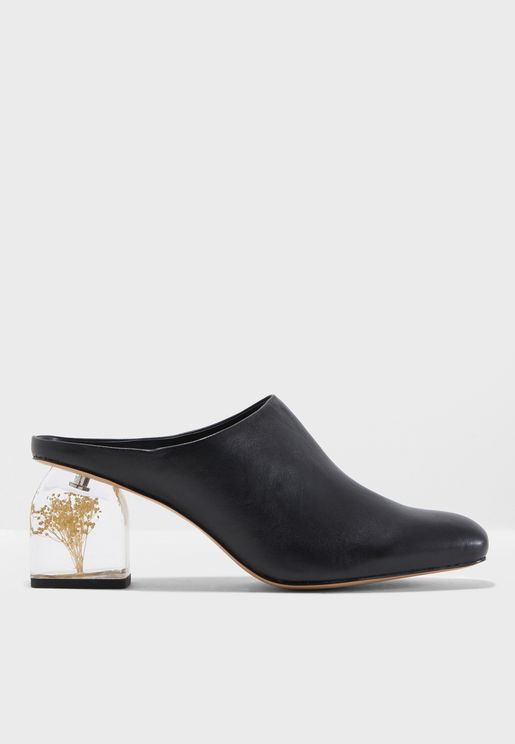 Dandy Flowered Heel Leather Shoes
