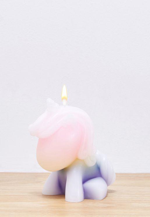 شمعة بشكل وحيد القرن