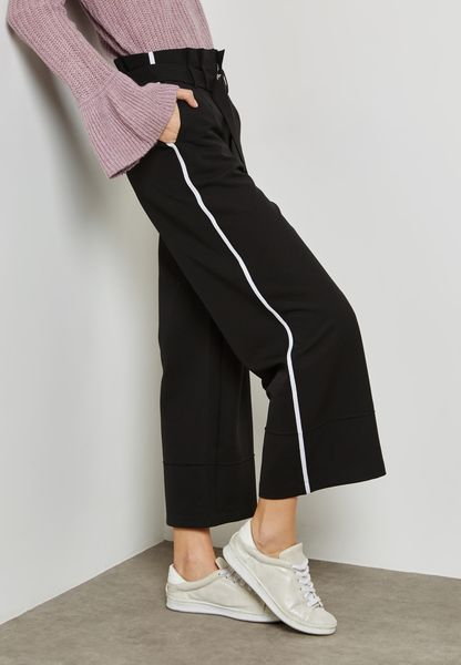 Contrast Side Paneled Belted Pants