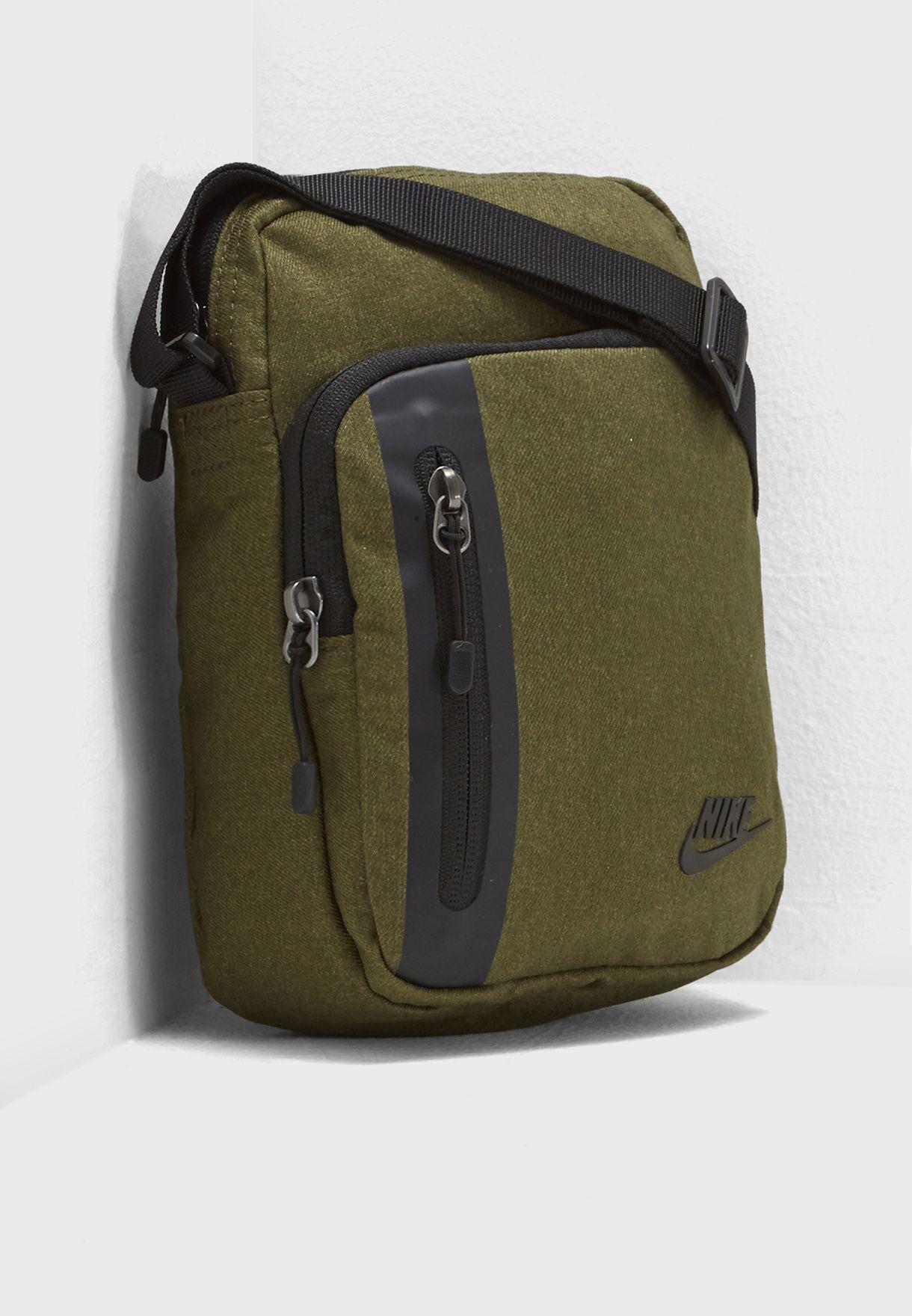 57c7258073179 Shop Nike green Tech Messenger BA5268-395 for Men in UAE - NI727AC87CMA