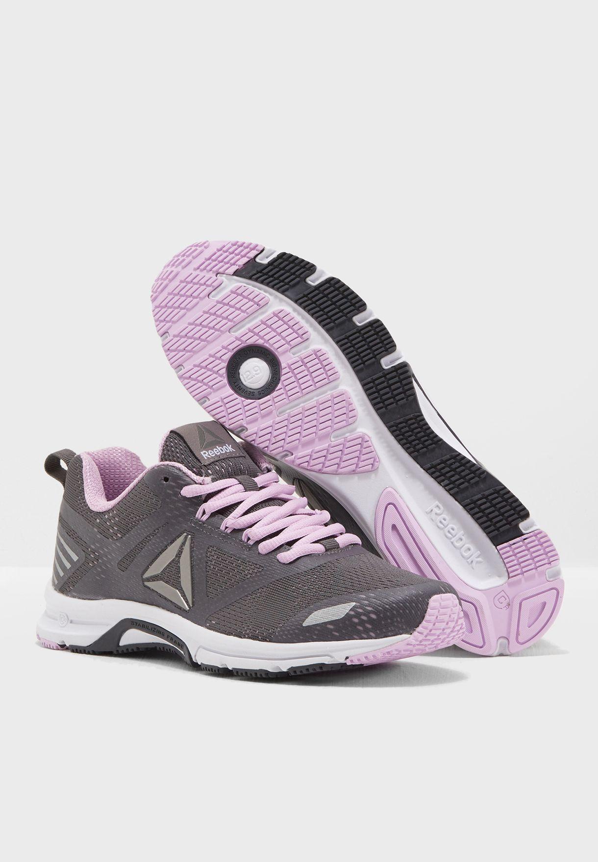 حذاء اهاري رنر