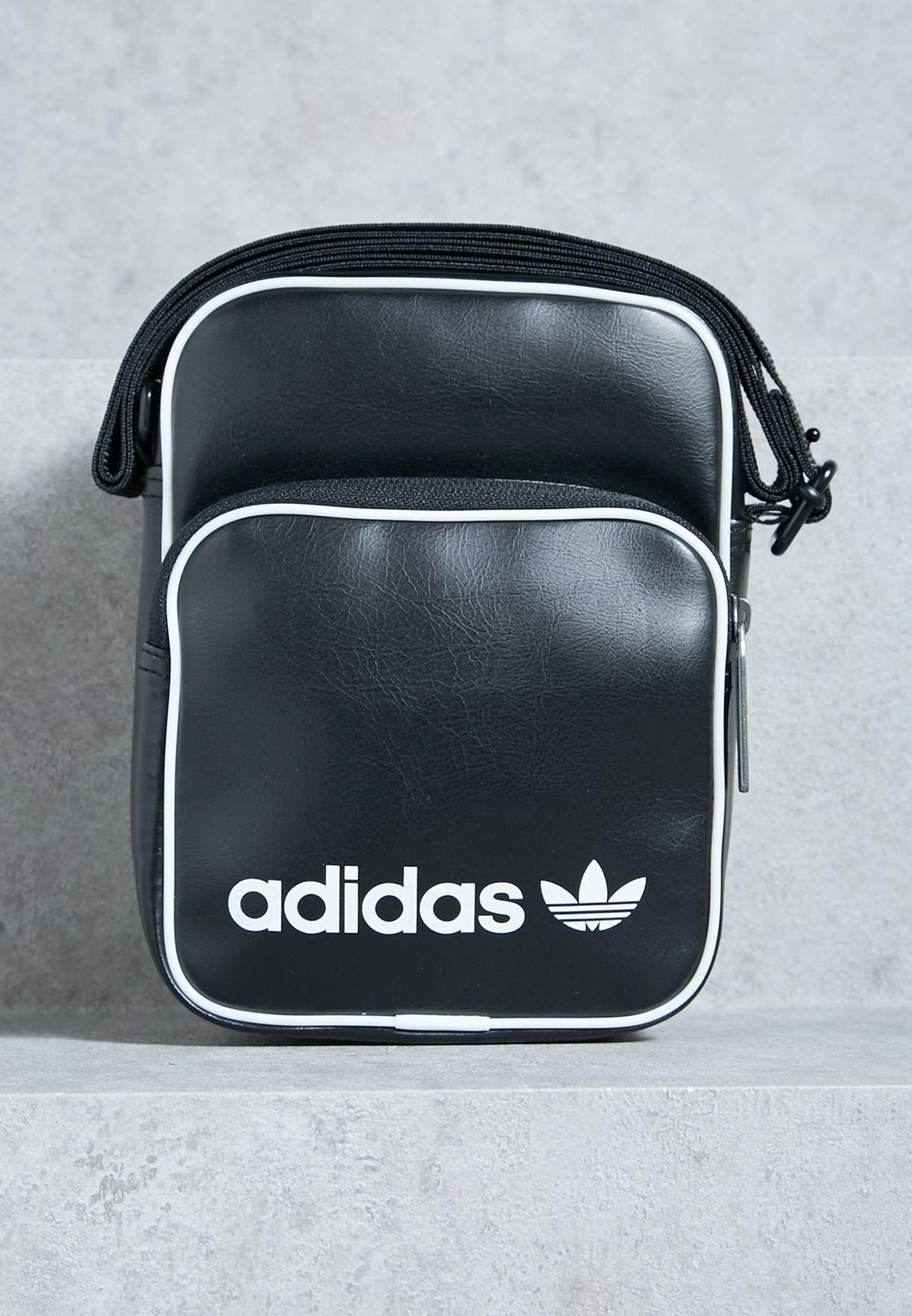 seguro no pueden ver incondicional  Shop adidas Originals black Mini Vintage Messenger BQ1513 for Men ...