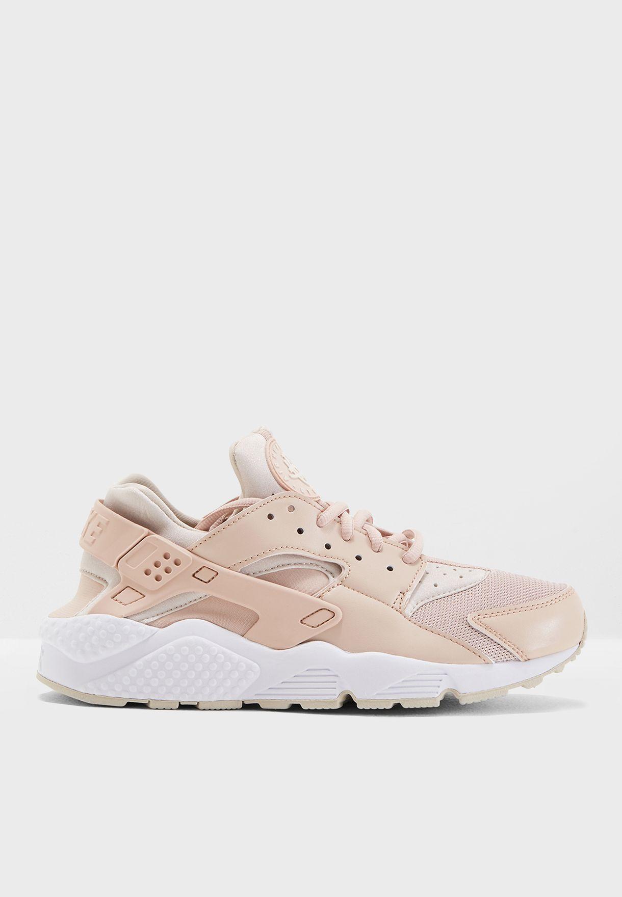 9b2c084dae73 Shop Nike pink Air Huarache Run 634835-202 for Women in UAE ...
