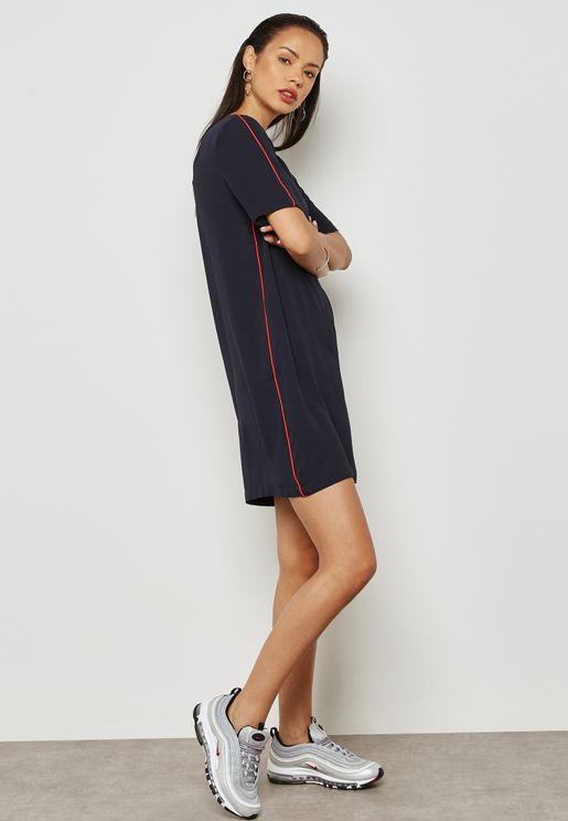 فستان مع خط جانبي بلون مغاير