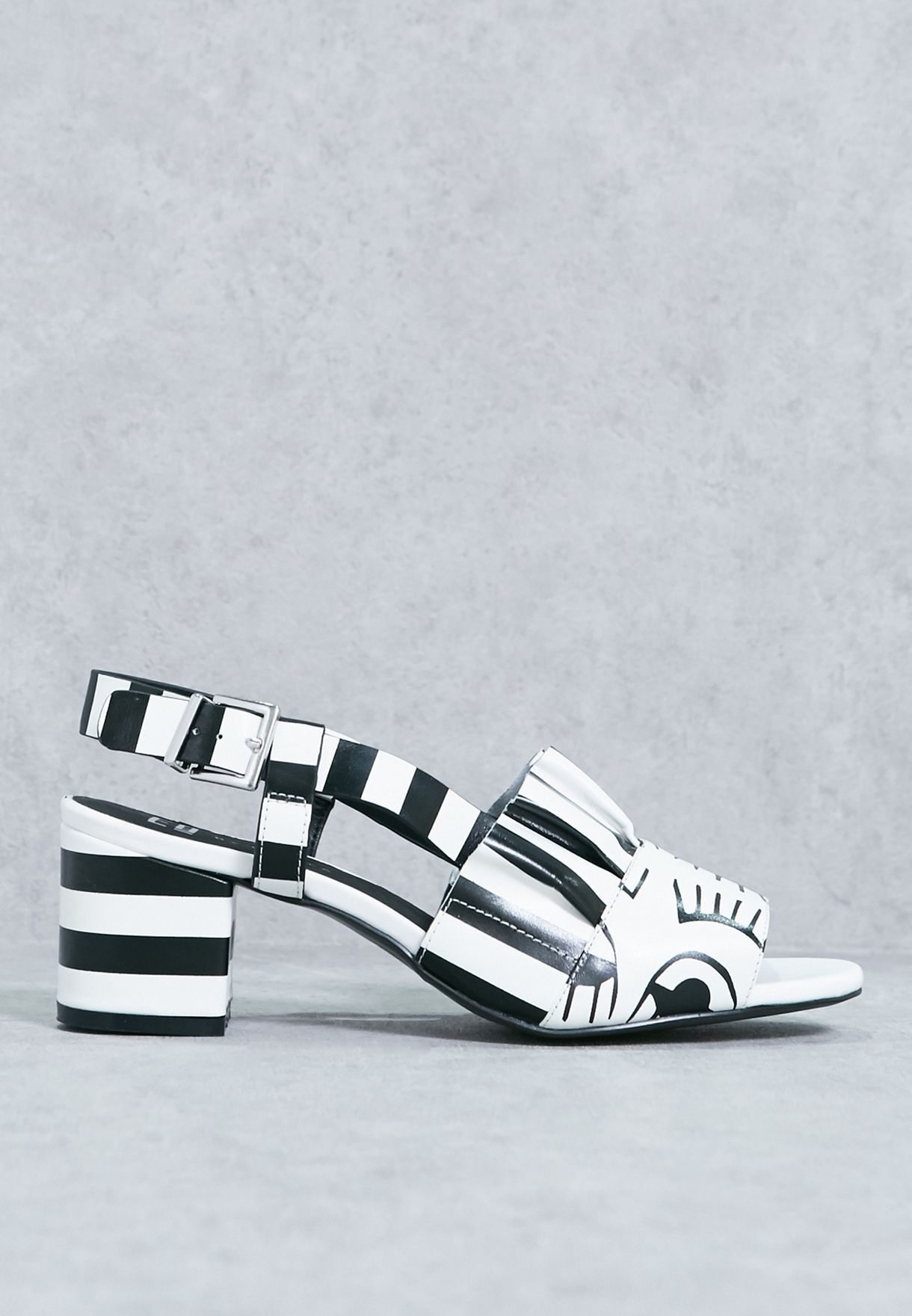 Monochrome By In Women E8 Shop Miista Uae Romeo Sandals For mn0O8wvN