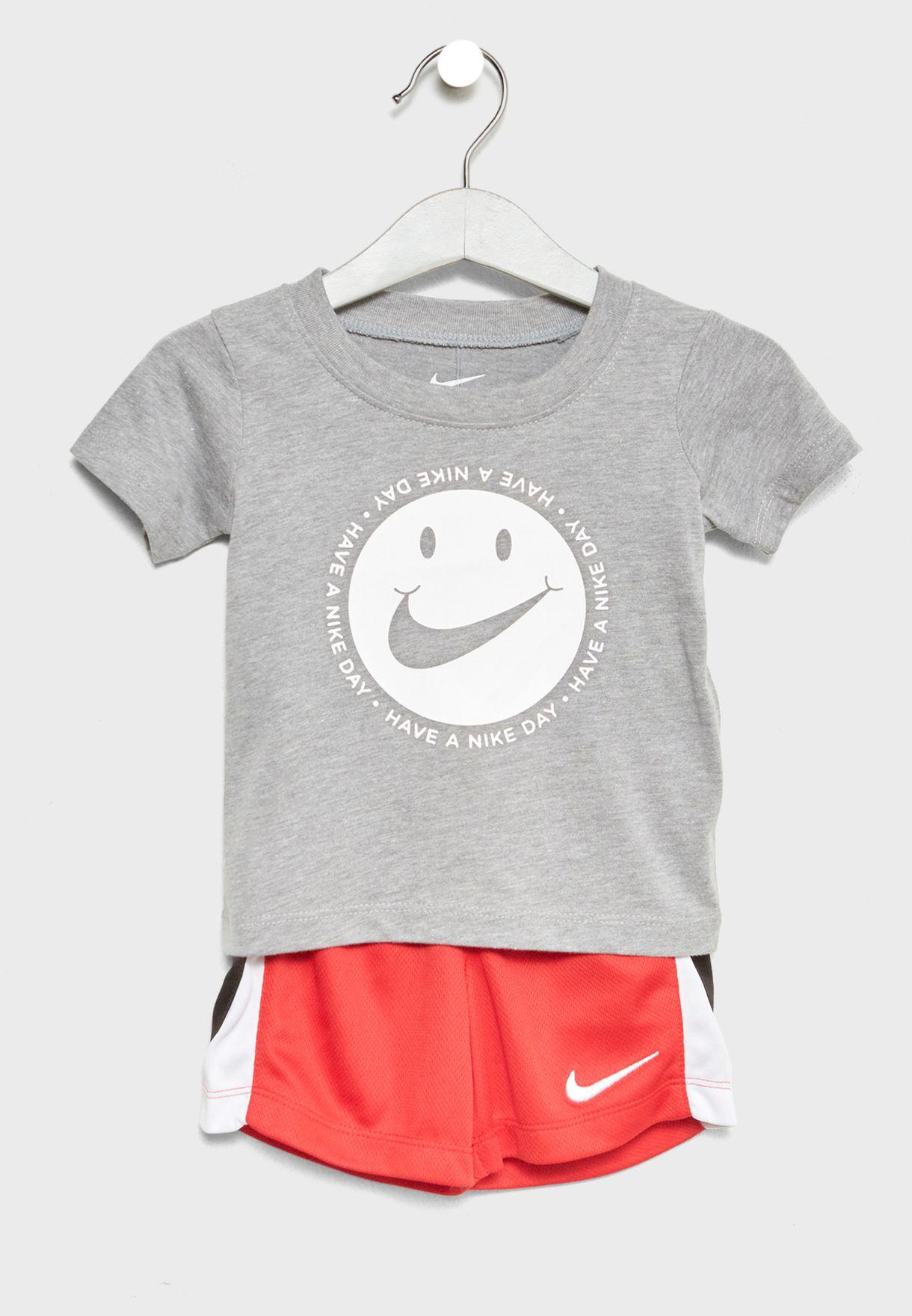 e8238d577d194b Shop Nike multicolor Infant Smiley T-Shirt+Shorts Set 66C995-042 for ...