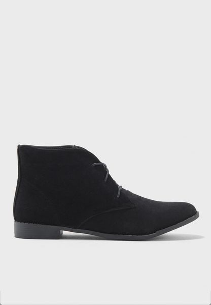 Mayfair Chukka Boots
