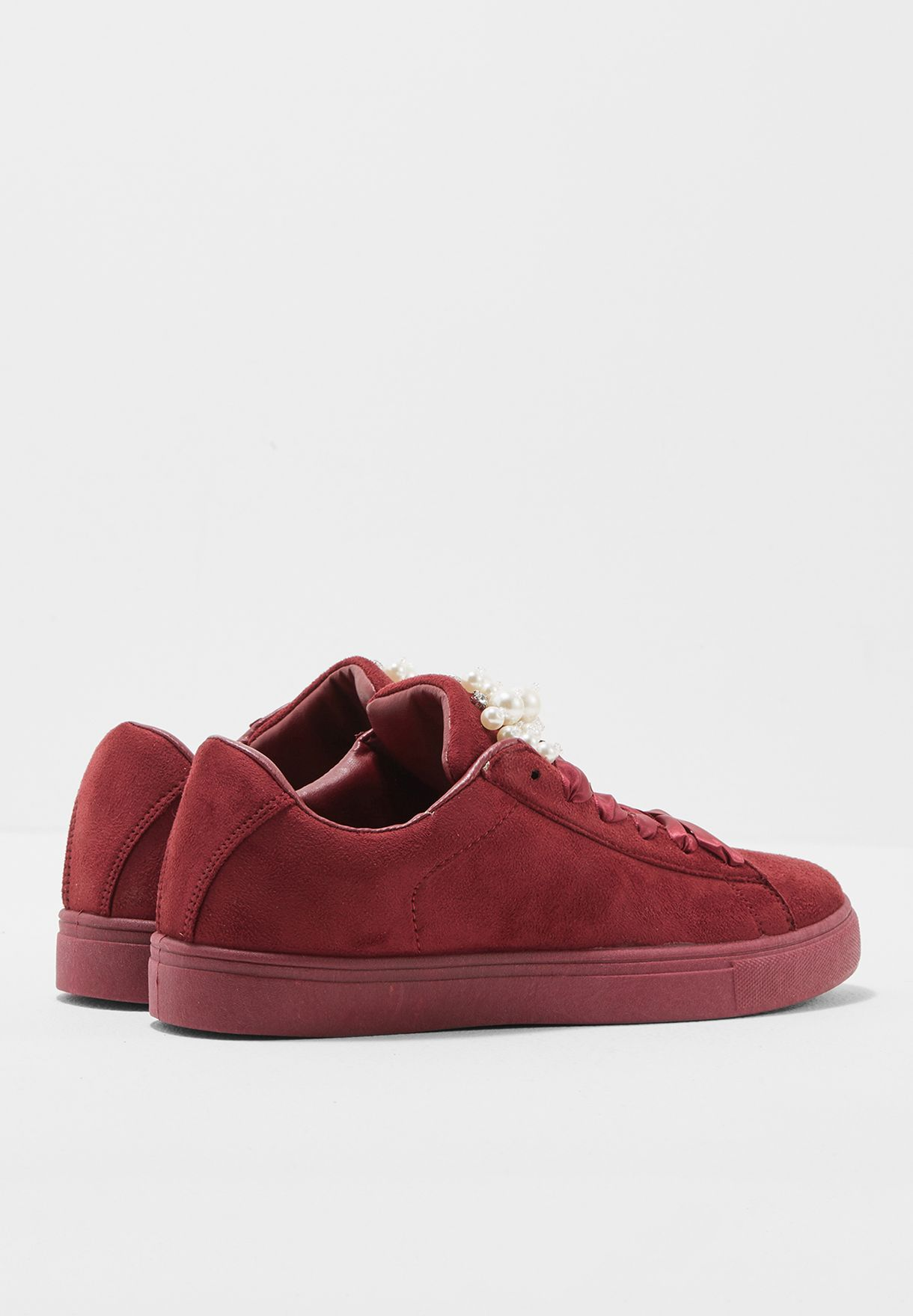 Nelly Low Top Sneakers