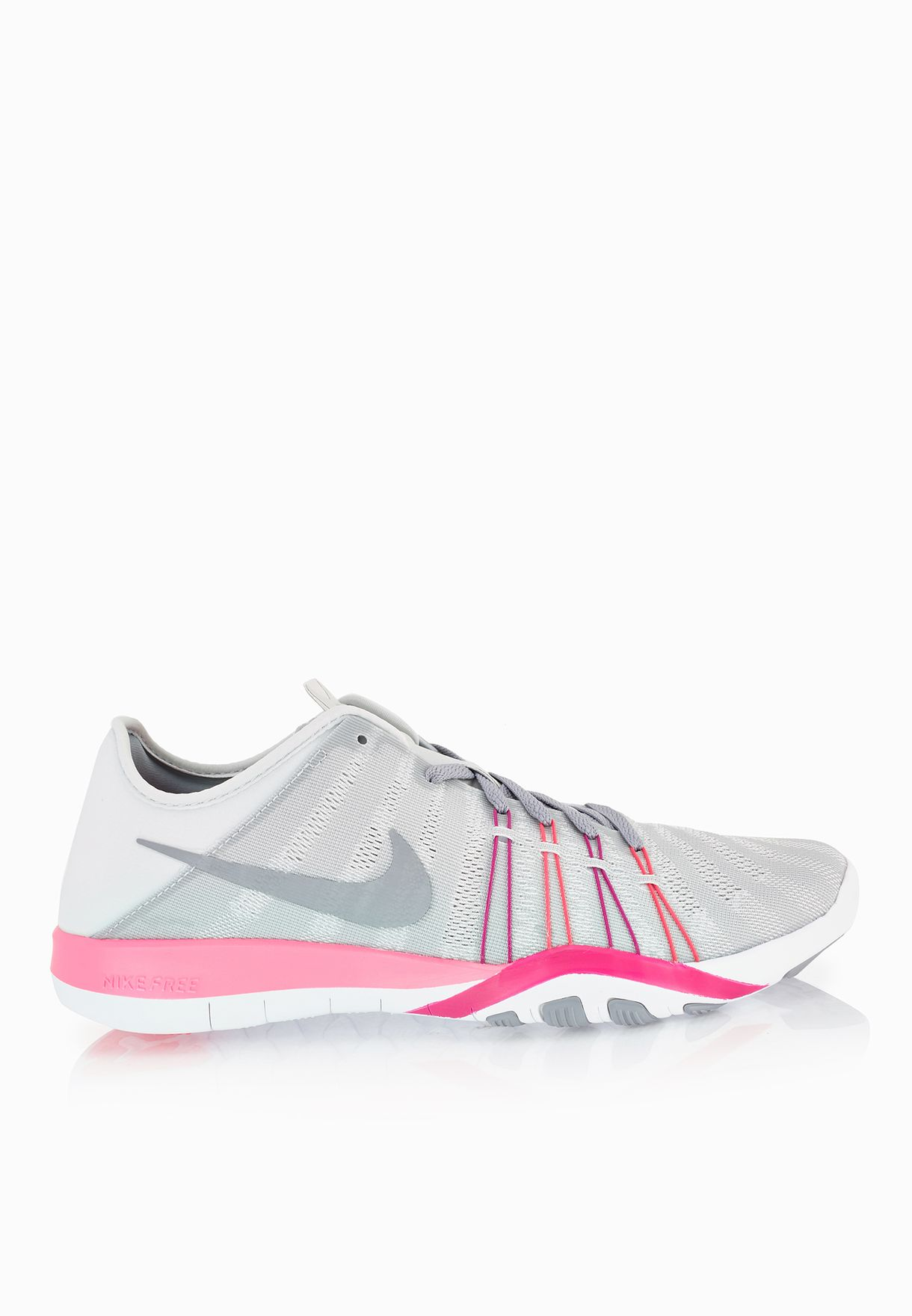 b4e889c09a2d2 Shop Nike grey Free Tr 6 833413-006 for Women in Oman - NI727SH57SMC