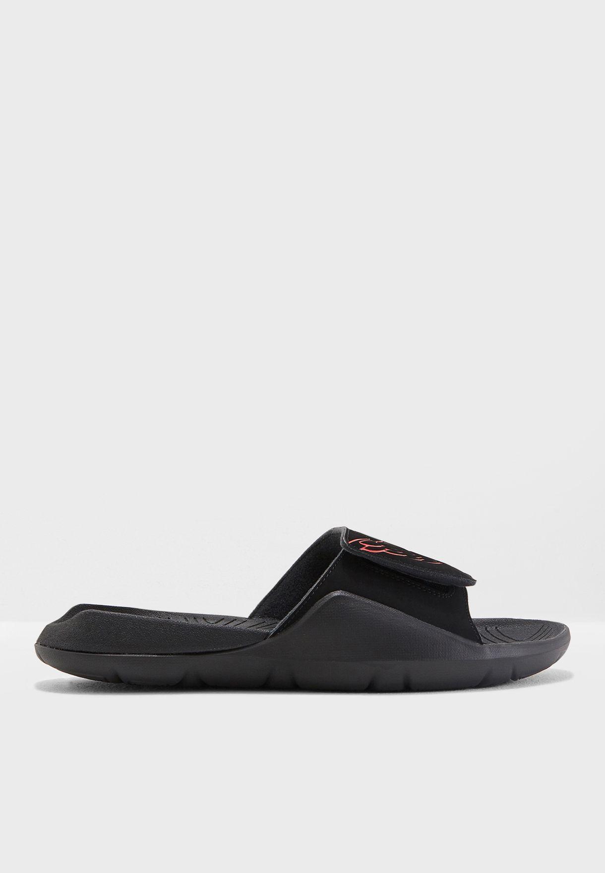 e17e834fabdb Shop Nike black Jordan Hydro 7 AA2517-062 for Men in UAE - NI727SH57XMK