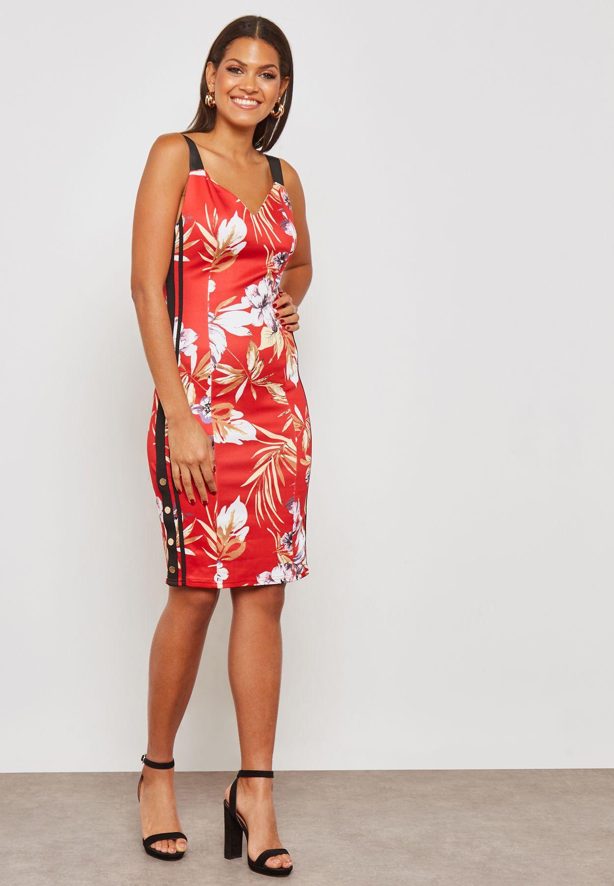 فستان بطبعات ازهار