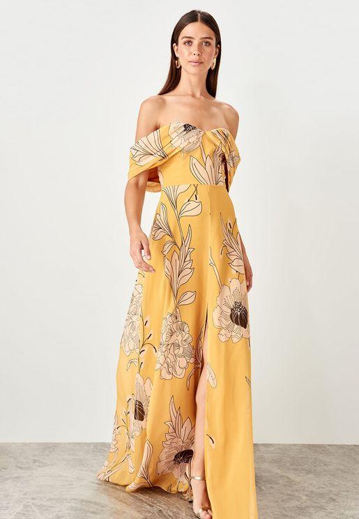 فستان باكتاف مكشوفة ومزين بطباعة ازهار